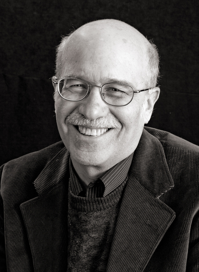 A portrait of author Tom Engelhardt