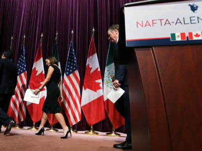 Canada's Minister of Foreign Affairs Chrystia Freeland (center), Mexico's Secretary of Economy Ildefonso Guajardo Villarreal (left) and United States Trade Representative Robert E. Lighthizer leave the stage at Global Affairs on the final day of the third round of the NAFTA renegotiations in Ottawa, Ontario, September 27, 2017.