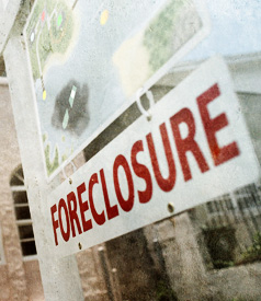As Fraud Scandal Grows, White House Opposes National Moratorium on Foreclosures