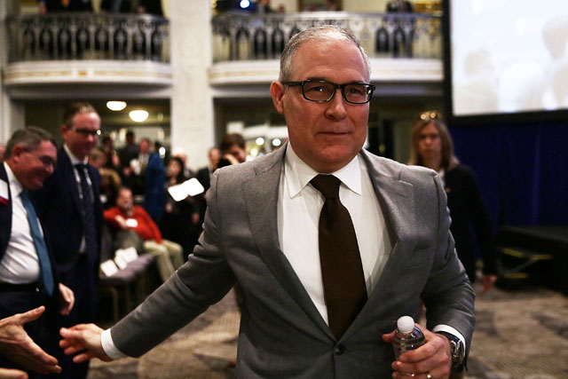 Environmental Protection Agency Administrator Scott Pruitt leaves after he spoke at an event, November 17, 2017, in Washington, DC. (Photo: Alex Wong / Getty Images)