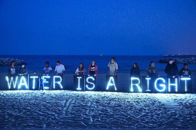 """Water is a human right"" solidarity demonstration. (Photo:<a href="