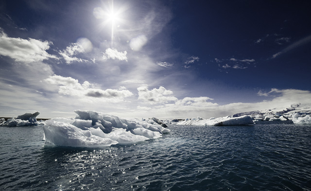 (Photo: Iceland Icebergs via Shutterstock; Edited: LW / TO)